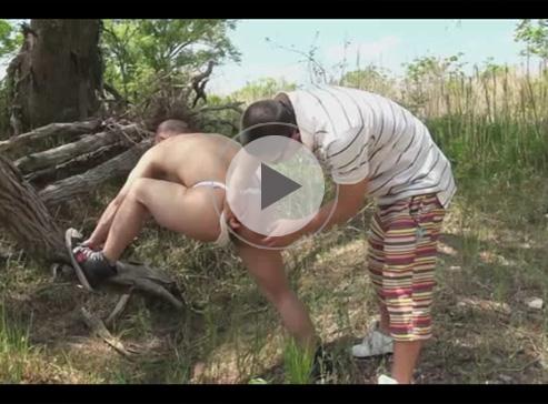 【ゲイ動画】ハライチの澤部のようなイモ系の男が野外でアナルを掘られ続けて絶頂しちゃう!