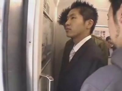 【ゲイ動画】満員電車でスーツ姿のイケメンが2人の男に痴漢をされてしまいアナルセックスもさせられる!