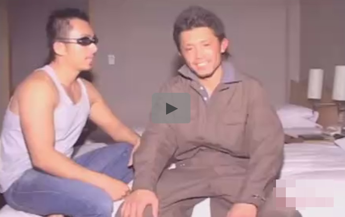 【無修正ゲイ動画】つなぎを着ているガテン系の男がゴーグルマンにアナルセックスで犯されてしまう!
