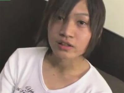 【ゲイ動画】高校卒業したての可愛い顔の18歳のイケメンがオナホールで仰向けオナニーしイクイクを連呼しお腹に射精!