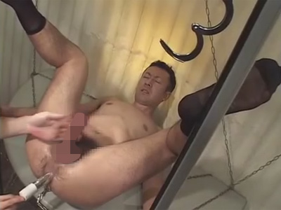 【ゲイ動画】電マやバイブやディルドを使いながらアナルやチンコを犯されたりアナルセックスをさせられる男が見られる!