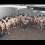 【ゲイ動画】目隠しをされた男が汁男優軍団に大量のザーメンをぶっかけられ続けてしまう!