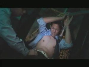 【ゲイ動画】夢なのか現実なのか…イケメン警備員が暗い部屋に拉致されてチンポと尻穴をレイプされてしまう…!