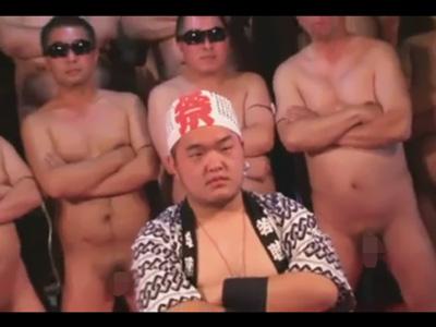 【無修正ゲイ動画】大乱交祭り開催!ハッピに褌のぽっちゃりイカホモ野郎を輪姦ぶっかけプレイで汁まみれにしてハメ倒す!