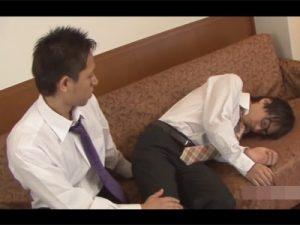 【ゲイ動画ビデオ】可愛い系のサラリーマンが寝ている間に夜這いをされている姿や反対に男を攻めている姿を楽しめる!