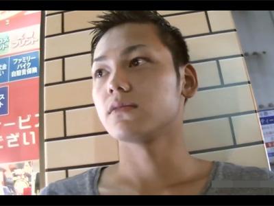 【ゲイ動画】女優さんとハメれるアルバイトとノンケを騙してホテルへ!目隠し状態のイケメン君をホモが美味しく頂きます!