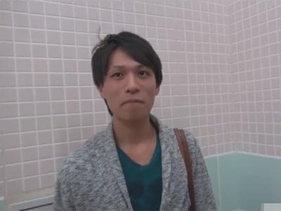 【無修正ゲイ動画】坂本勇人に似ている清潔感があるイケメンがオナニー姿を見せてくれる!