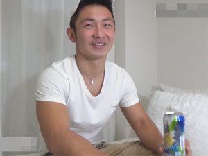 【ゲイ動画ビデオ】ほろ酔い状態のマッチョの男が覆面をしている男に犯されてアナルセックスをしちゃう!