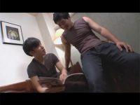 【ゲイ動画】エロ本を見ていたら先輩がやってきて排泄穴でのハメ合いにハッテンしリバセックスで掘り合って淫らに絶頂!